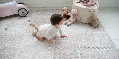 فرش اتاق خواب کودک - فرش کودکانه - فرش ترکیه ای - بهترین سیسمونی نوزاد و دکوراسیون اتاق کودک